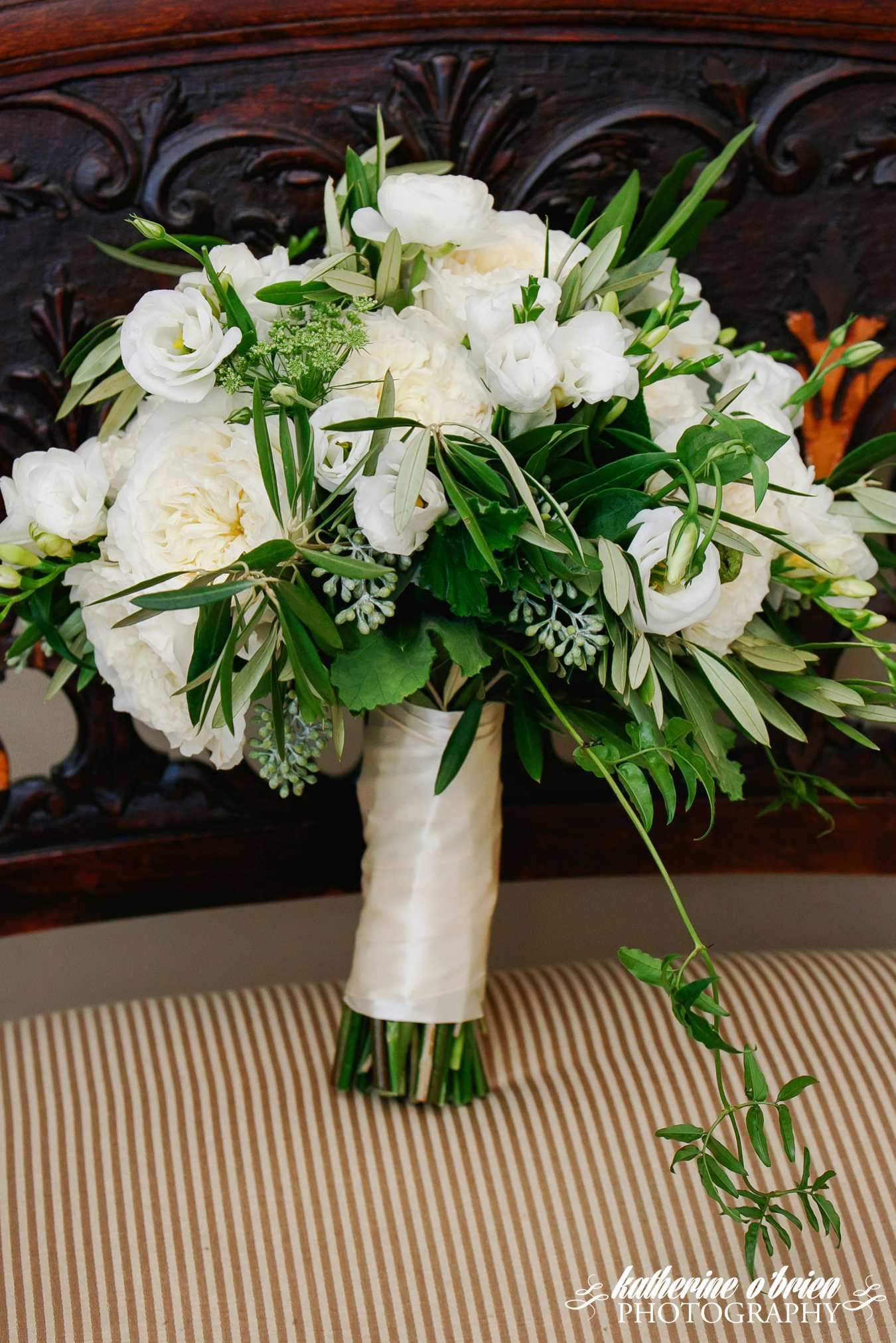 bouquet for wedding ideas white and greenery bouquet bouquets of 2024