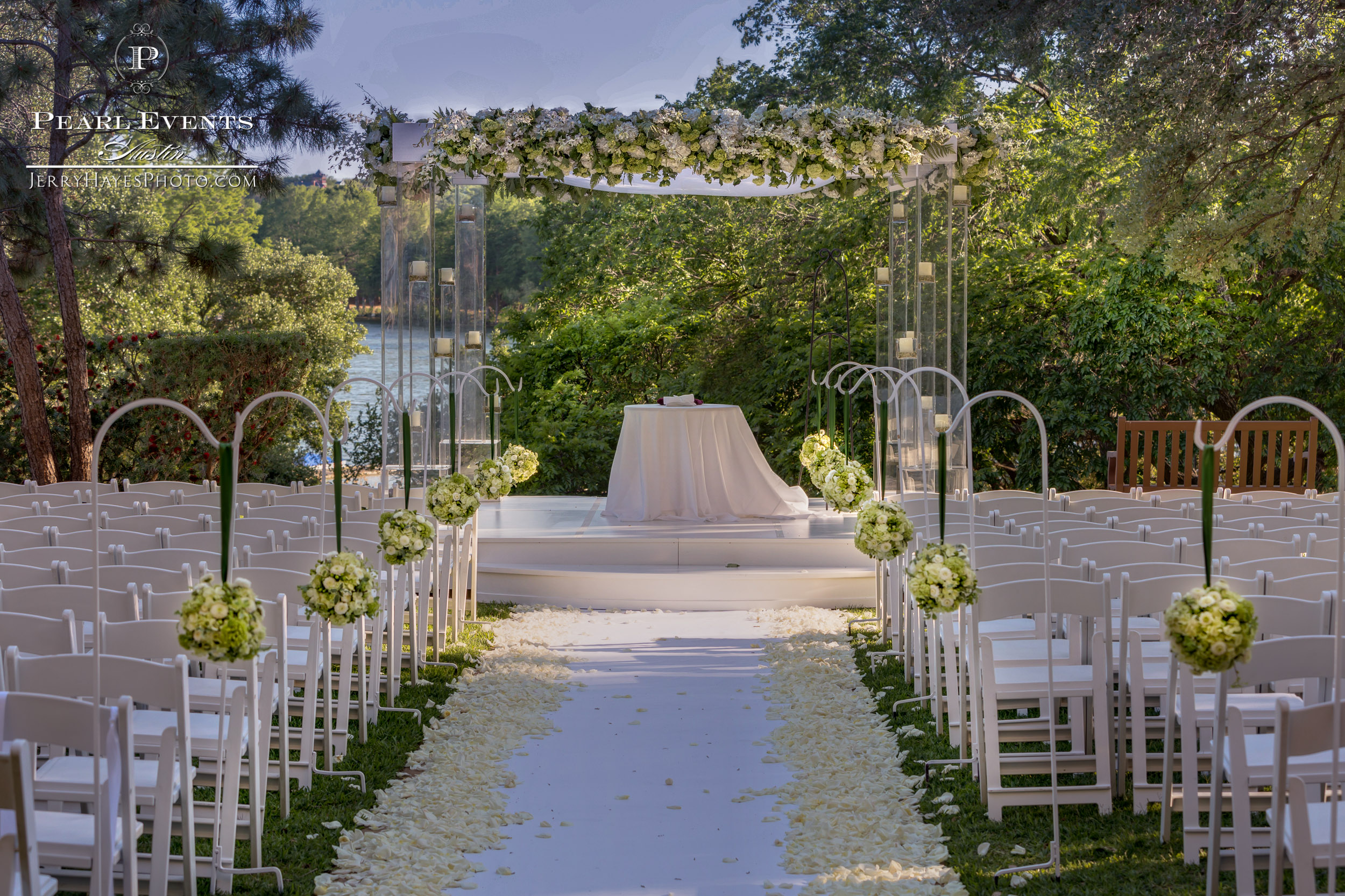 Outdoor ceremony at The Four Seasons, Austin Tx.