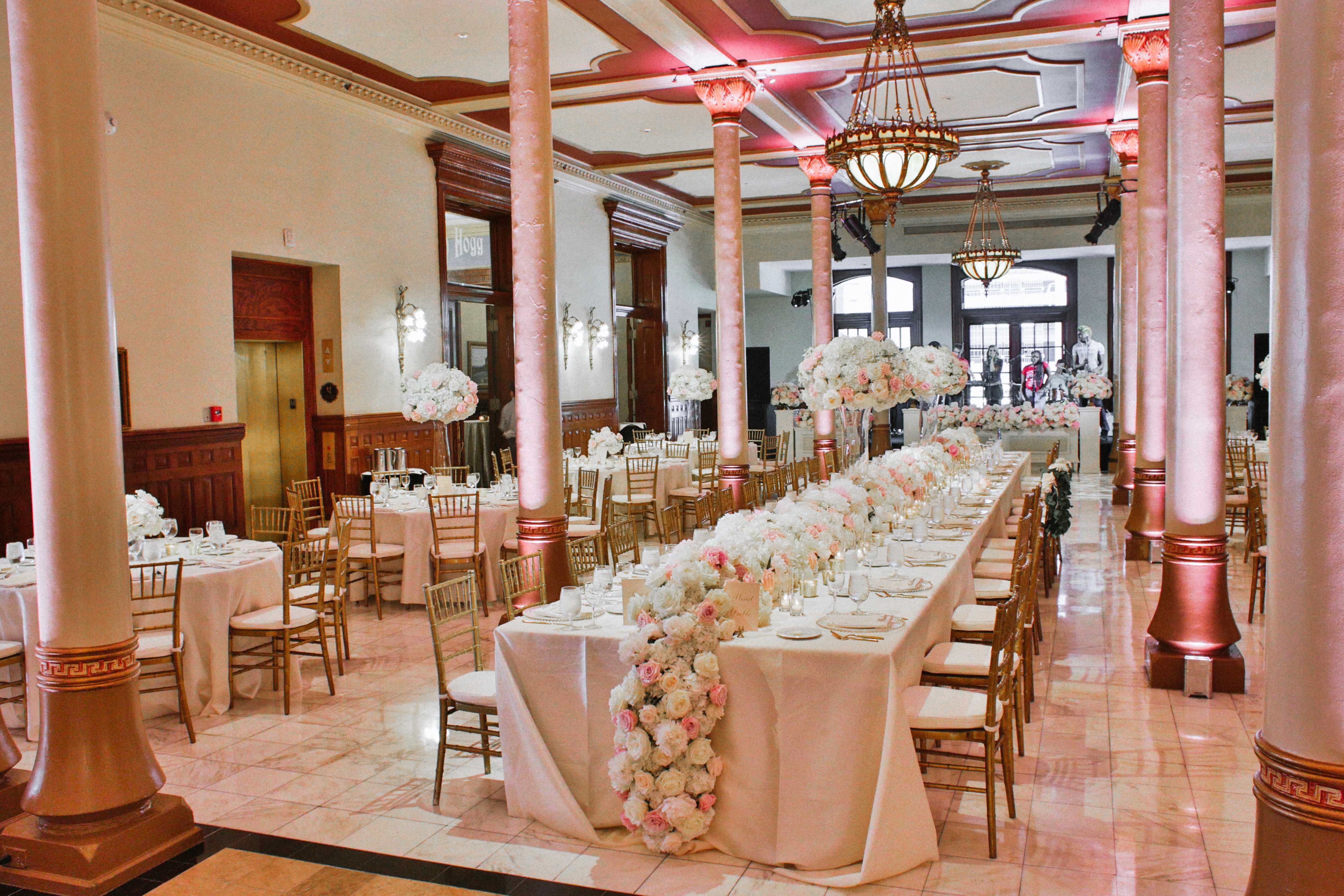 Head Table on Driskill Mezzanine with pink and white flowers